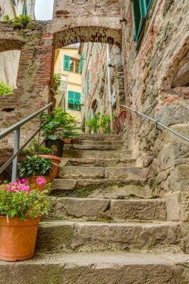Fototapeta Alley v italštině starého města Ligurie Itálie