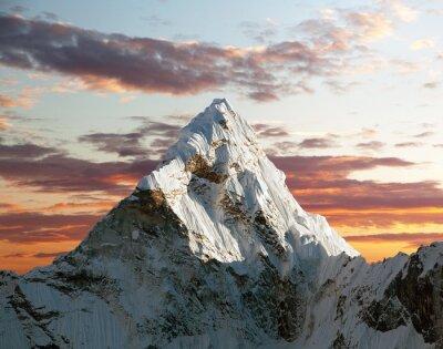 Fototapeta Ama Dablam na cestě do základního tábora Everestu