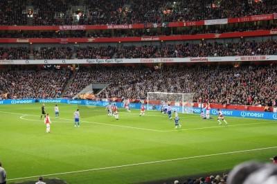 Fototapeta Arsenal winning 1-0 against Queen Park rangers