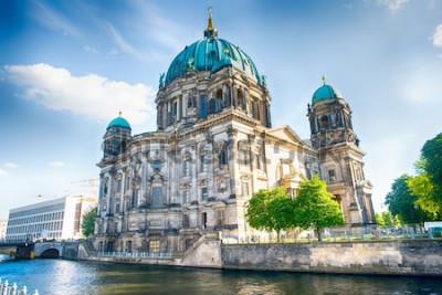 Fototapeta Berlínská katedrála v Berlíně v krásném letním dni