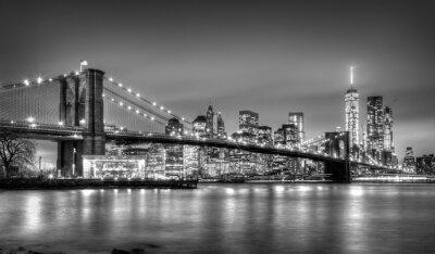 Fototapeta Brooklyn bridge za soumraku, New York City.