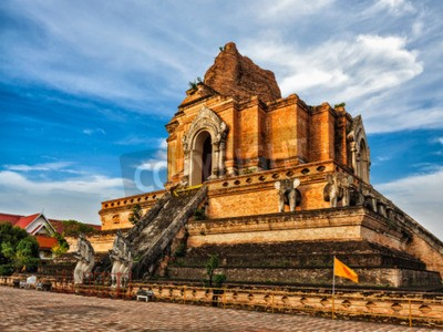 Fototapeta Buddhistický chrám Wat Chedi Luang. Chiang Mai, Thajsko