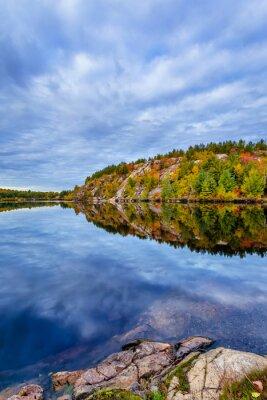 Fototapeta Canada, October, Ontario, podzimu, modři, kabinová, oblačnosti, barva, cottege, pádě, zeleným, ostrova, jezírka, terén, opustí, příroda, oranžová, červená, sezóna, strom, voda, žlutá, konzervace, geol