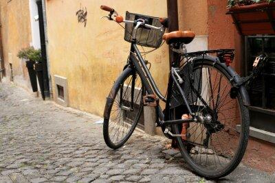 Fototapeta Černá klasika kolo na římské ulici