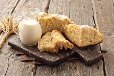 Fototapeta čerstvé domácí bochník chleba s mlékem