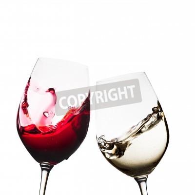 Fototapeta Červené a bílé sklenice na víno izolované
