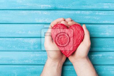 Cervene Srdce V Pohledu Shora Na Ruce Zdrava Laska Darovaci