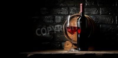 Fototapeta Červené víno na pozadí starých černých cihel