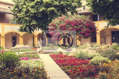 Fototapeta City of Arles v jižní Francii