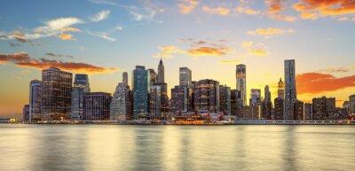 Fototapeta Crépuscule à Manhattan, New York.