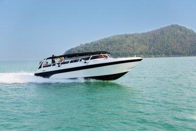 Fototapeta Cruise rychlost lodi v Andamanském moři v Thajsku