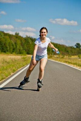 Fototapeta dívka na kolečkových bruslích