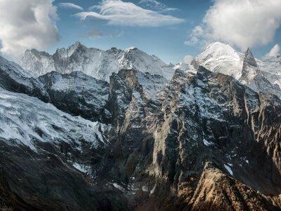 Fototapeta Dombai. Scenérie Rockies v kavkazském regionu v Rusku