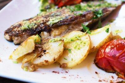 Fototapeta Dorado rybí filé se zeleninou