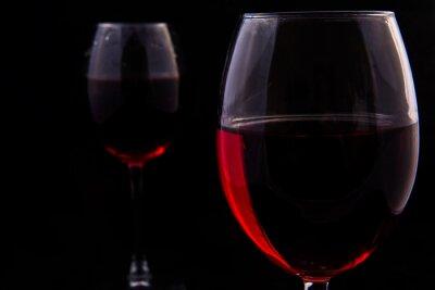 Fototapeta Dvě sklenice červeného vinné révy
