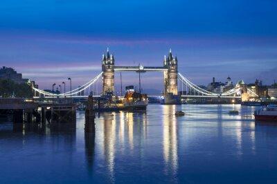 Fototapeta Famous Tower Bridge v noci, Londýn, Anglie, Velká Británie