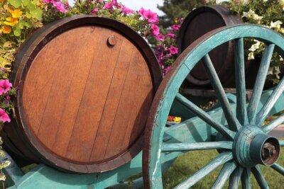 Fototapeta Francouzské víno obec vinice vinné sudy a vozík.