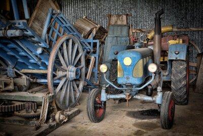 Fototapeta Grange et tracteur