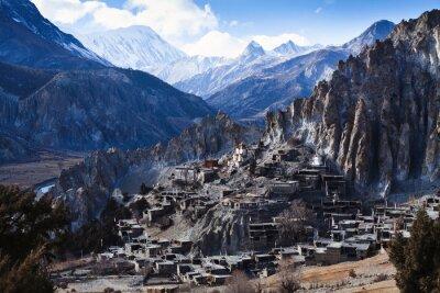 Fototapeta Himalaya hory v Nepálu, pohled na malé vesnice Braga na Annapurna okruhu