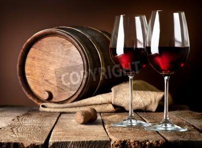 Fototapeta Hlaveň a skleničky červeného vína na dřevěný stůl