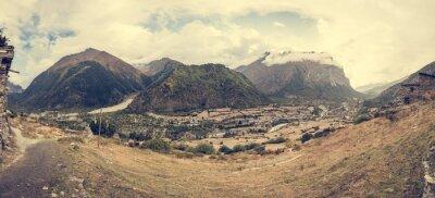Fototapeta Horské panorama s tradiční kamenné sestavení obce.