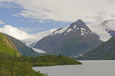 Fototapeta Hory a ledovce v odlehlém údolí