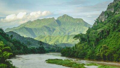 Fototapeta Hory Rainforest říční krajina na severním Laosu