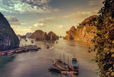 Fototapeta  junk Ha Long Bay Vietnam.