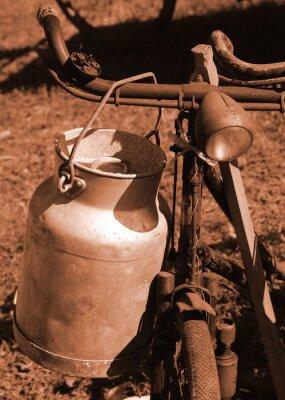 Fototapeta kolo minulého století používají pro dopravu mléka
