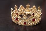 Svatební královská vintage diadém s perlou fototapeta • fototapety ... a74282e4a4