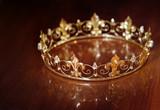Královská koruna pro krále nebo královnu. symbol síly a bohatství 54972e341a