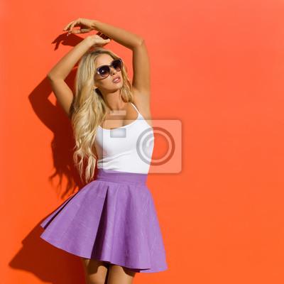 81a9cec1f64 Fototapeta Krásná blond žena ve slunečních brýlích