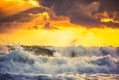 Fototapeta Krásná scéna s oblaky nad mořem