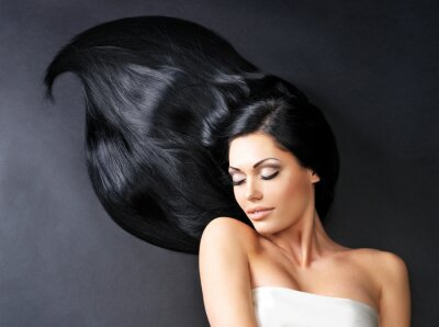 Fototapeta Krásná žena s dlouhými rovnými vlasy