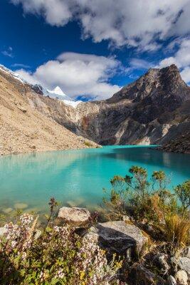 Fototapeta Krásné horské scenérie v Andách, Peru, Cordiliera Blanca