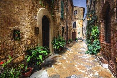 Fototapeta Krásné zákoutí středověké italské vesnice v