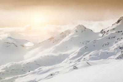 Fototapeta Krásné zimní krajina s zasněžené hory