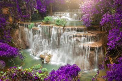 Fototapeta Krásný vodopád v podzimním lese, hluboké lesy vodopád, provincii Kanchanaburi, Thajsko