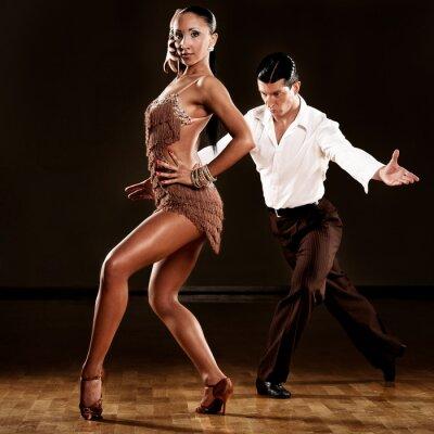 Fototapeta latino taneční pár v akci