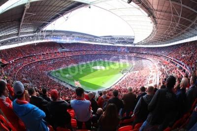 Fototapeta LONDÝN - duben 14: Příznivci sledovat fotbalový zápas Liverpool - Everton Semi Final FA Cup dav ve Wembley Arena Stadium 14. dubna 2012 v Londýně, Anglie Velká Británie.