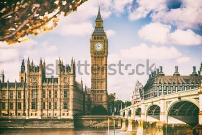 Fototapeta Londýnské město na podzim listoví - Autum Europe destinace ikonu cestování pozadí.
