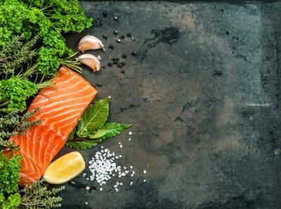 Fototapeta Losos rybí filé s bylinkami a kořením