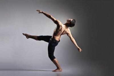Fototapeta Mladý a elegantní moderní baletní tanečník