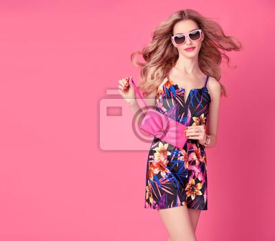 Fototapeta Modní Blond model v Sexy Jumpsuit 17fc089dd8