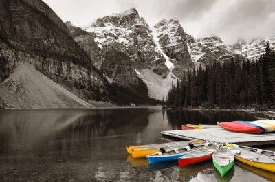 Fototapeta Moraine Lake loď