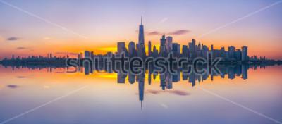 Fototapeta New York City Skyline Reflections při východu slunce