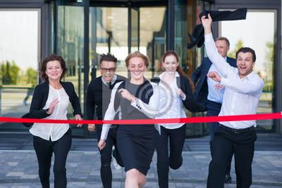 Fototapeta Obchodní lidé přes cílovou čáru