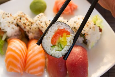 Fototapeta oběd s sushi misky