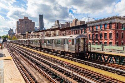 Fototapeta oberirdische metra na Manhattanu v New Yorku