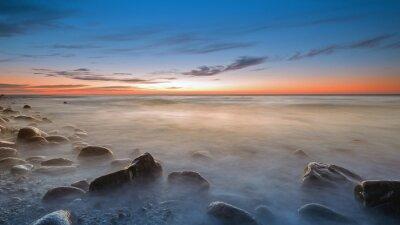 Fototapeta Oblázkové pláže v Rozewie za soumraku